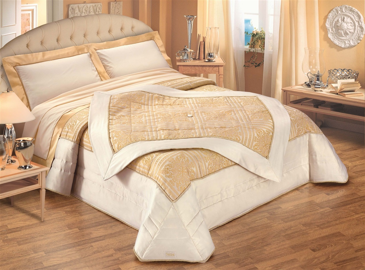 Diamante. Double bed size Quilt with Throw and pillows